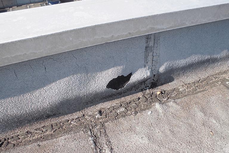 防水塗膜の浮き、割れ