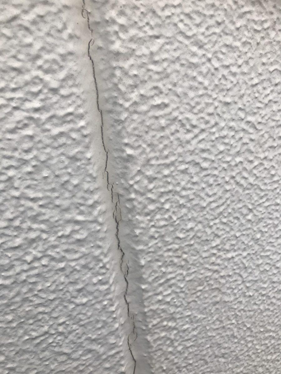外壁クラックの画像